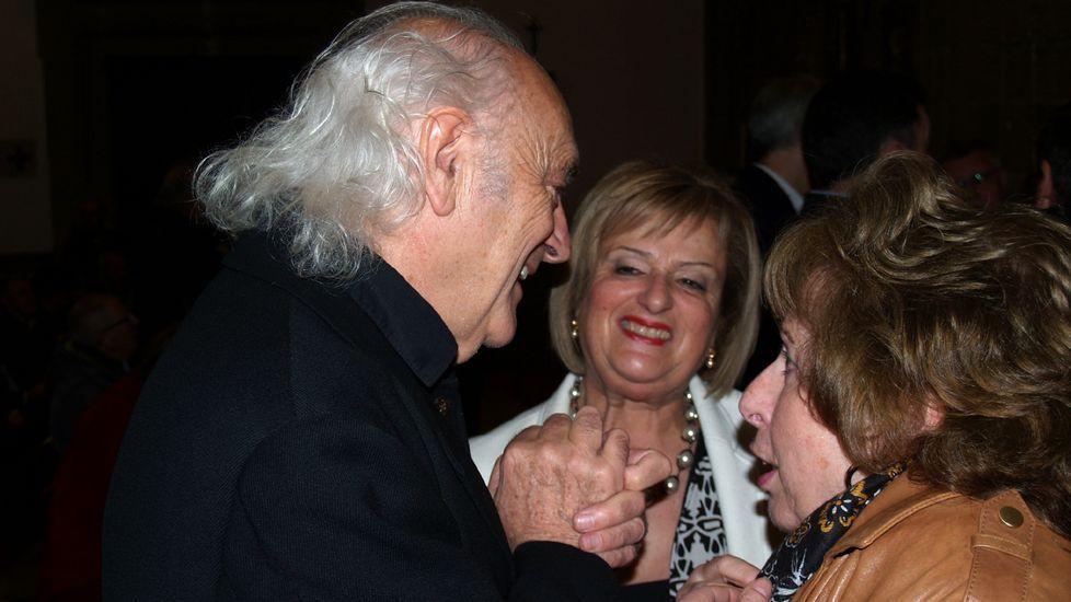 Las fotos de la Gala do Deporte de Monforte 2019.Amancio Prada, antes de la actuación, junto a Aida Menéndez y Flora Enríquez