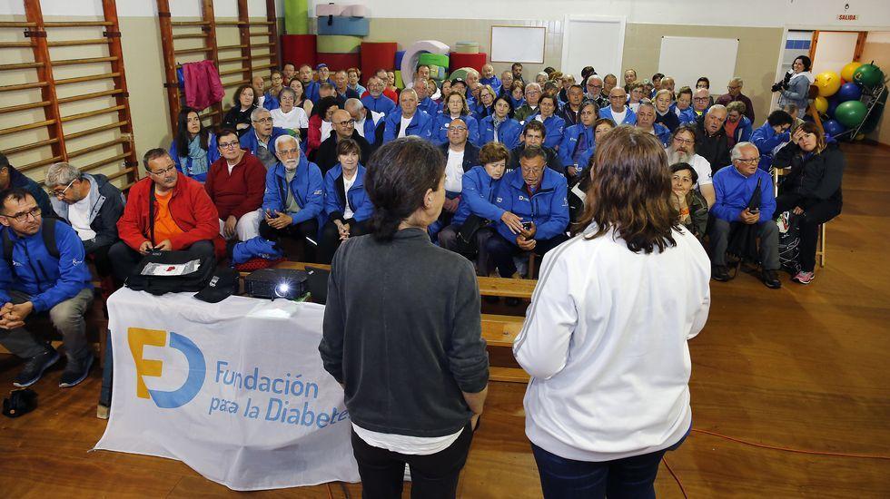Macrooperación policial en toda España contra la distribución de pornografía infantil.Un avión de Volotea