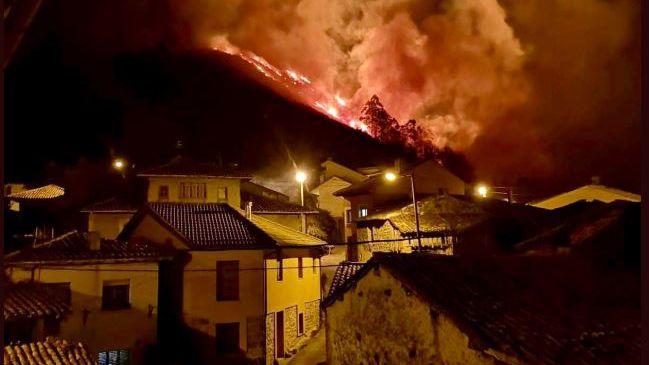 La crudeza del fuego asturiano en imágenes.Incendio en el concejo de Llanes