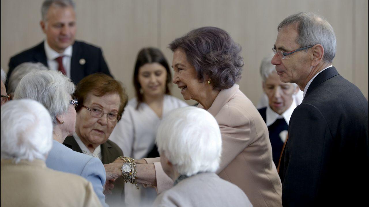 La visita de la Reina Sofía a Padre Rubinos, en imágenes.