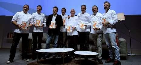 Los triunfadores en la gala de Repsol, con Pepe Solla a la derecha de la imagen.