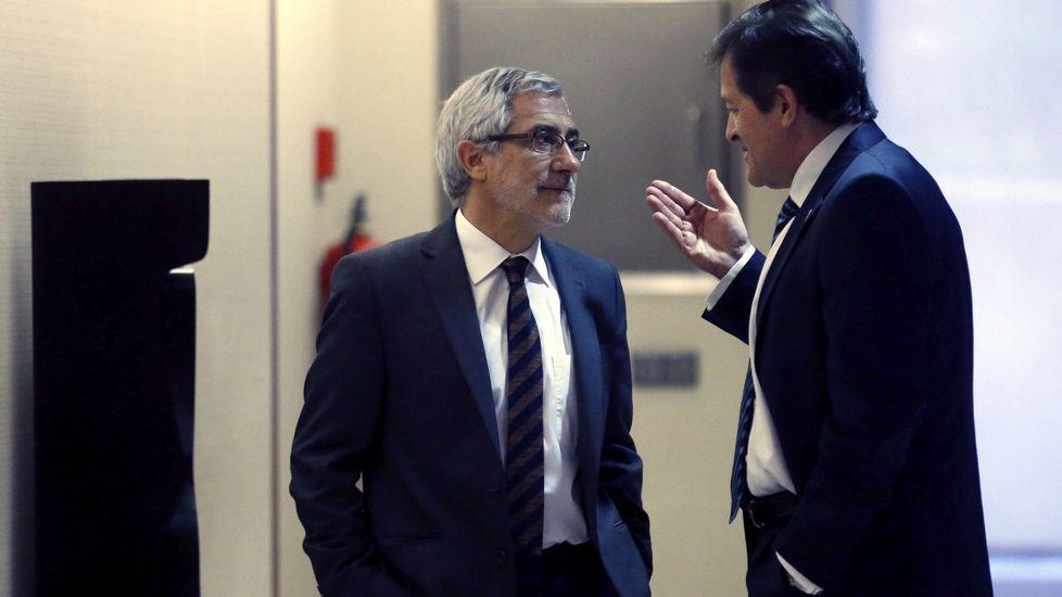 .Javier Fernández dialoga con Llamazares