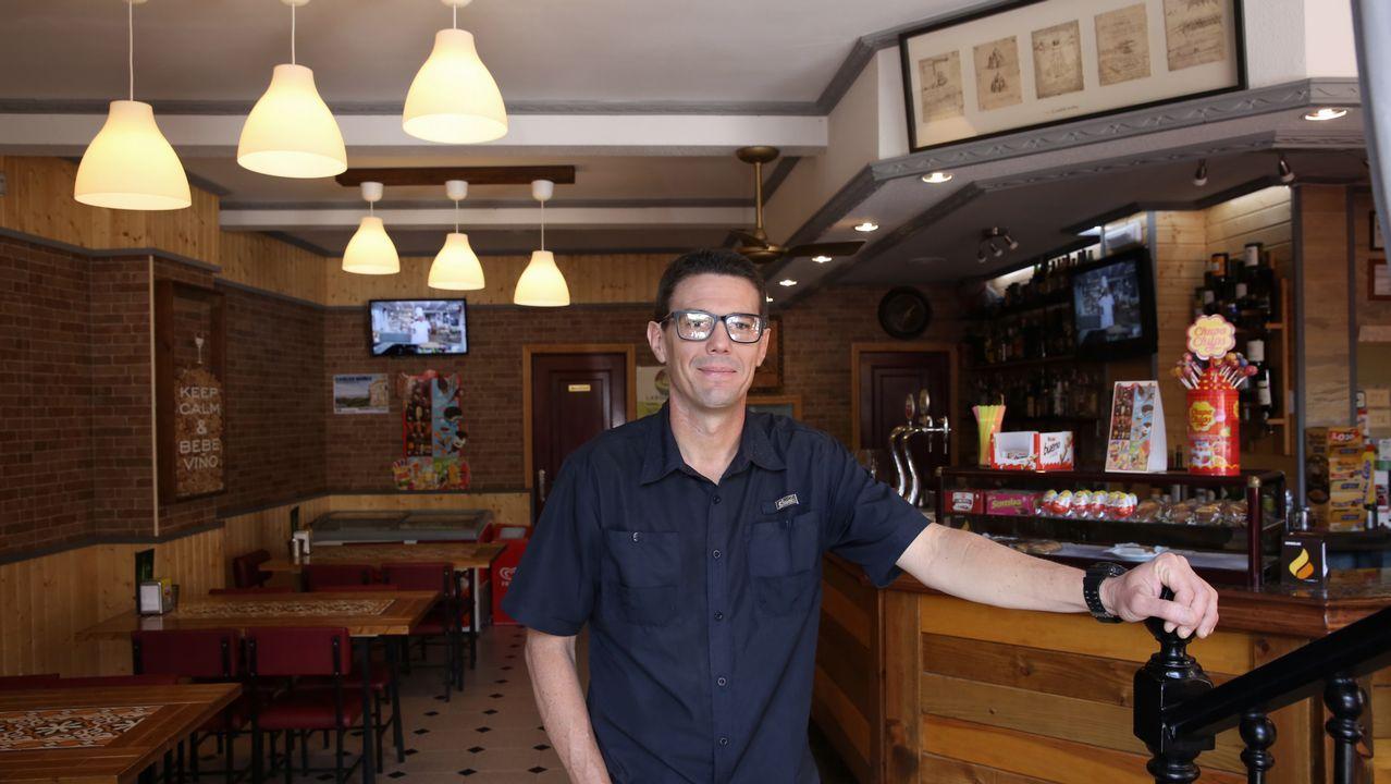 Miguel Ángel González llegó en el 2016 y reabrió un bar, ya popular por sus arepas