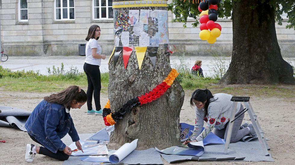 Toda Europa cabe en los árboles de la Alameda.El alcalde de Pontevedra, Miguel Anxo Fernández Lores