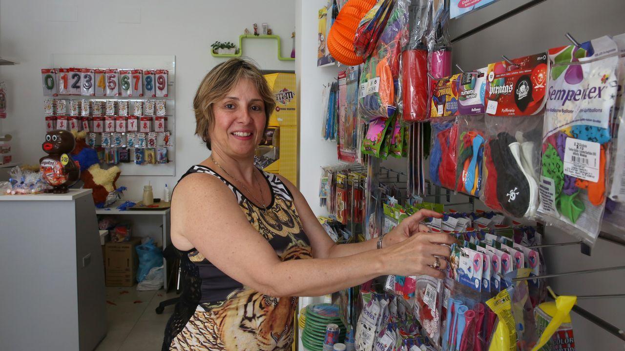 Rosana Rodríguez llegó hace cinco meses y pudo abrir una tienda de dulces