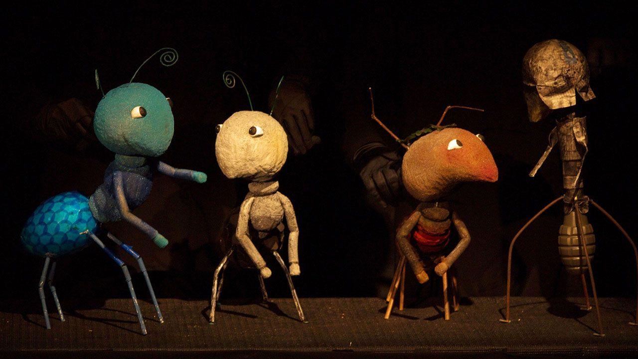 «Azul y la revolución de los colores», de Mar Rojo Teatro