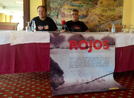 Tenso pleno en Baralla.Ruben Afonso, de la CRMH de A Coruña, y Amparo Perez, productora del documental