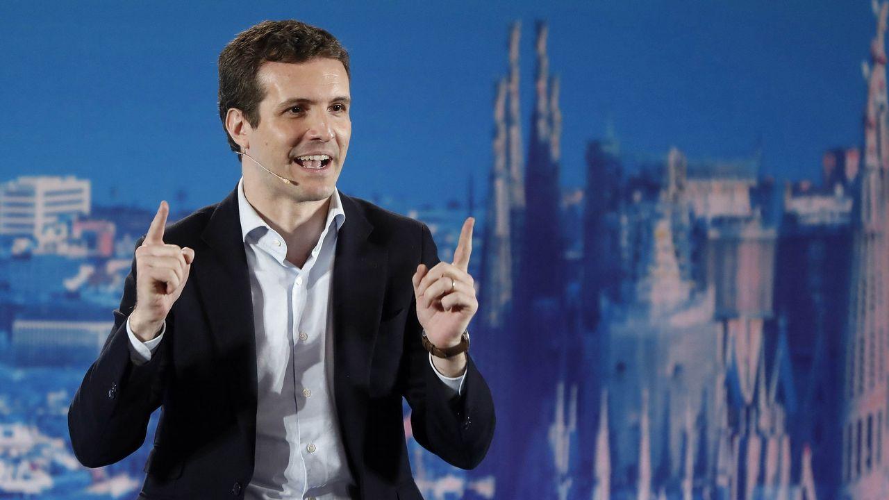Casado dice que Torra busca un «derramamiento de sangre».«¡Qué orgullo de presidente tenéis en Galicia! Os aseguro que no lo tendré lejos», ha dicho Pablo Casado de Feijoo durante su discurso.