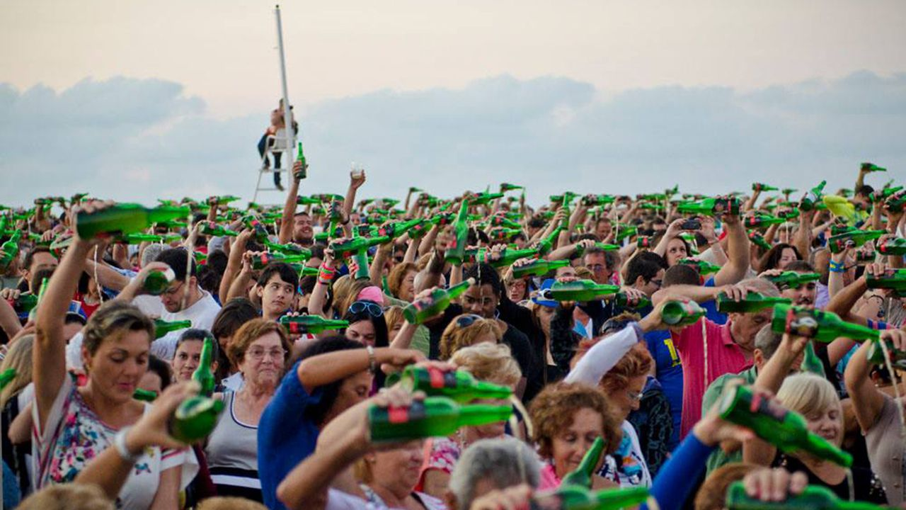Miles de personas participaron en la Preba de la Sidra de Gascona.Fiesta de la Sidra de Gijón