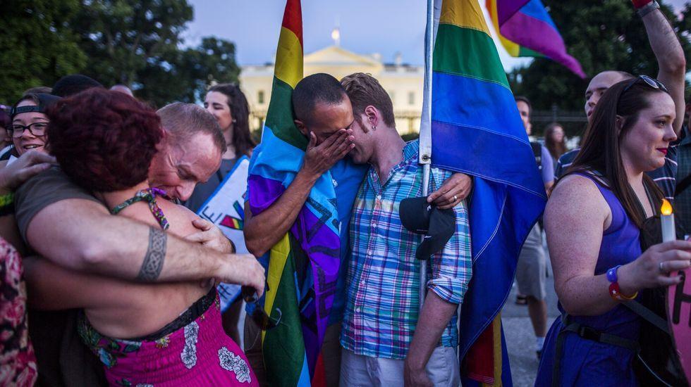 Miles de personas rindieron tributo an Trafalgar Square un emotivo homenaje a la diputada laborista asesinada Jo Cox.