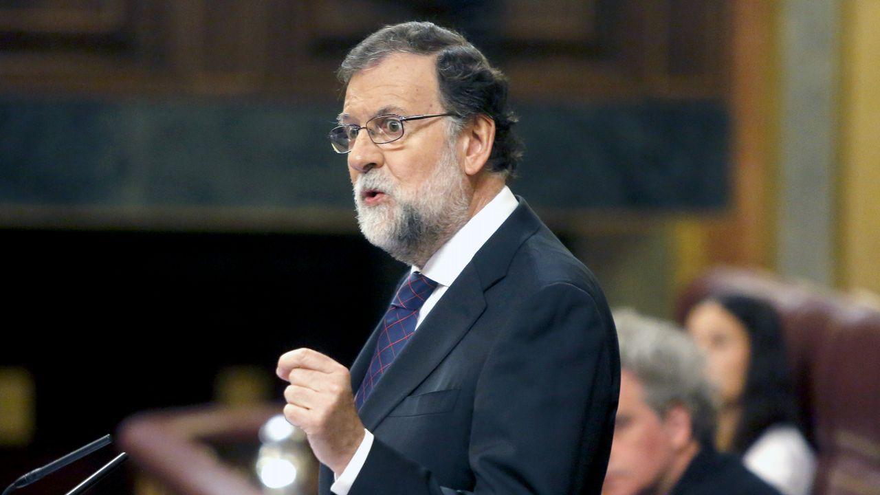 La diputada de Podem que retiró las banderas se rebela contra Pablo Iglesias.Carme Forcadell, presidenta del Parlament