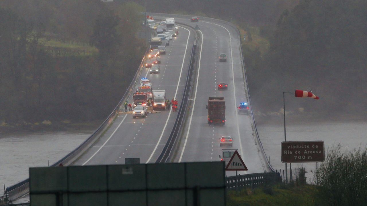 .Autovía del Barbanza cortada por el accidente
