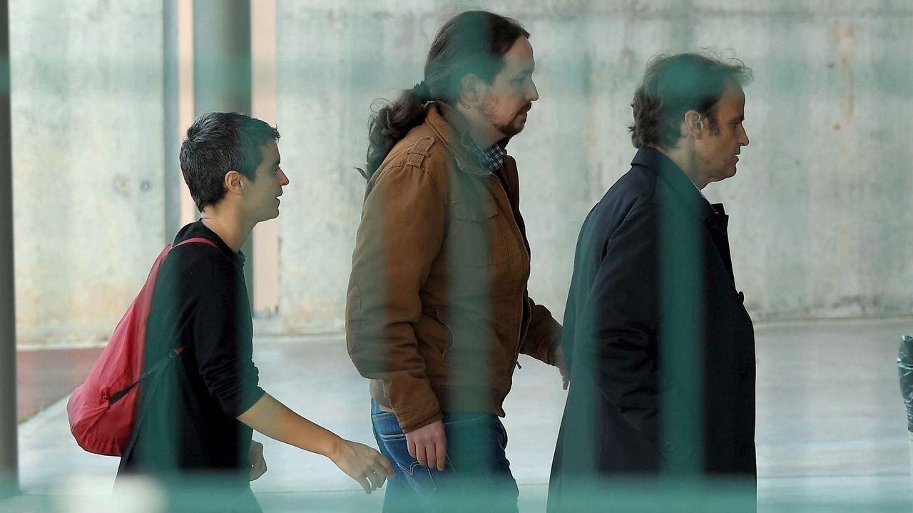 Gran enfado de Ábalos en el Senado tras cuestionar el PP un viaje oficial a Perú.Puigdemont y Torra, en agosto en Waterloo (Bélgica)