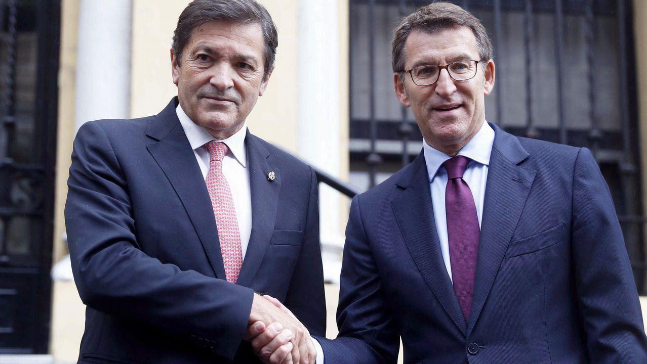 Núñez Feijoo y Javier Fernández apuestan por trabajar juntos por los trabajadores de Alcoa.Jochen Mueller, representación de la Comisión Europea en España