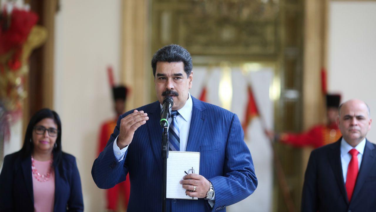 Venezuela se echa a la calle para reclamar elecciones libres.Sanchez compareció en La Moncloa para hacer el anuncio sobre Venezuela