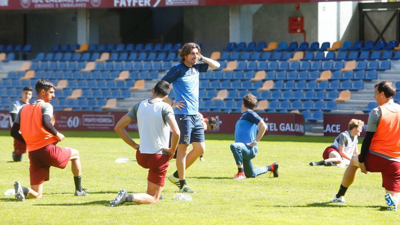 El Pontevedra CF vence 2-1 al Guijuelo.Entrenamiento Pontevedra CF