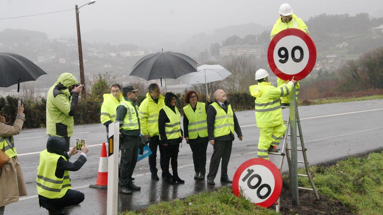 Laobras del Parador de Muxía en fotos.Aspecto que presenta la vía de tren y la carretera comarcal a su paso por Laviana a causa del temporal de lluvias registrado en los últimos días en Asturias