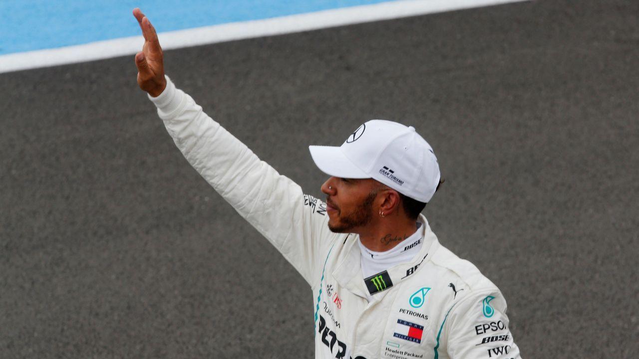 Así es el calendario Pirelli 2019.El piloto español Fernando Alonso del equipo McLaren posa antes del Gran Premio de Australia de la Fórmula Uno 2018, en el Albert Park Circuit en Melbourne, (Australia) hoy, jueves 22 de marzo de 2018. El Gran Premio de Australia tendrá lugar el 25 de marzo de 2018.
