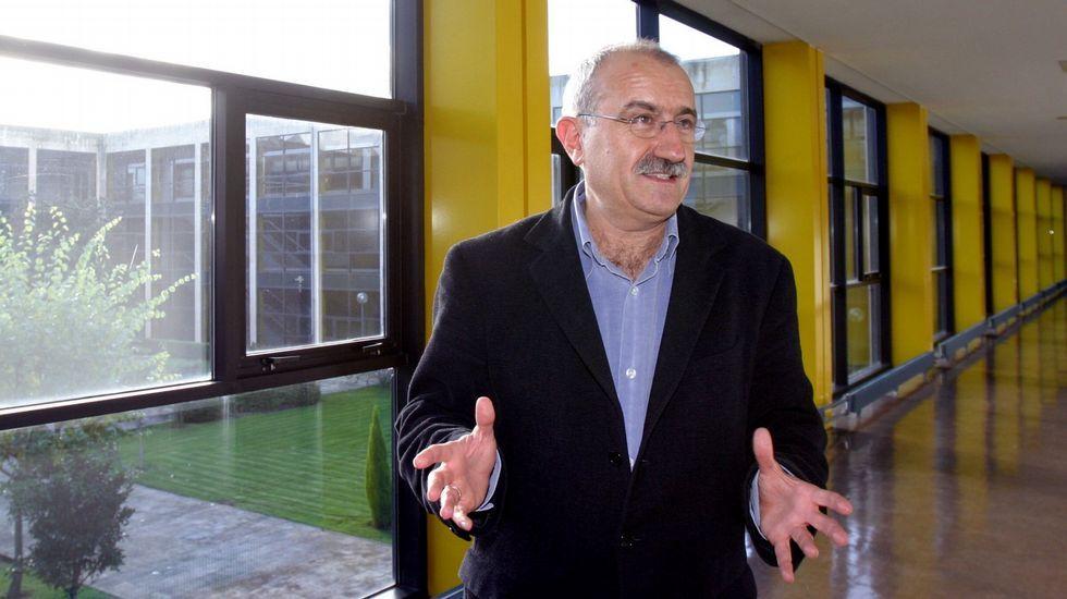 Javier Fernández dialoga con Llamazares