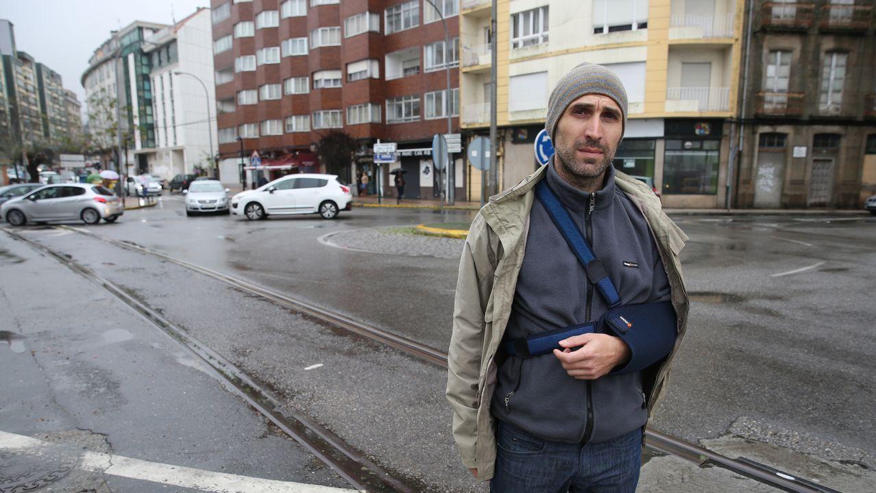 Fernando Oubiña denuncia la peligrosidad de las vías del tren en el Ramal por las cuales sufrió un accidente con su bicicleta..