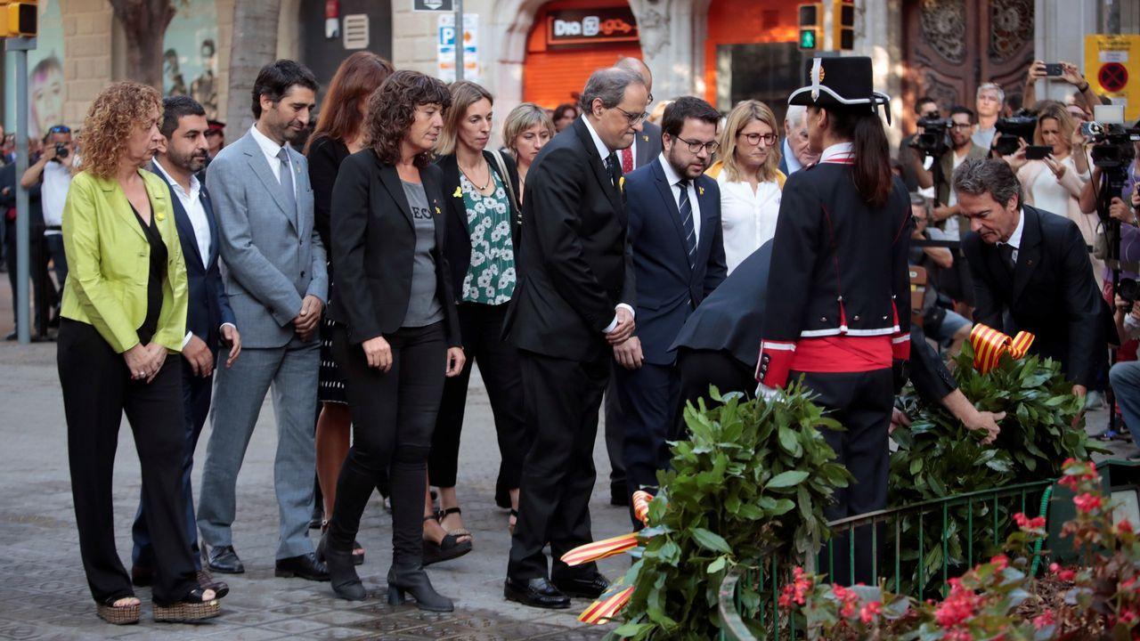 .Ofrenda floral del Gobierno de Cataluña en el monumento de Rafael Casanova en Barcelona.
