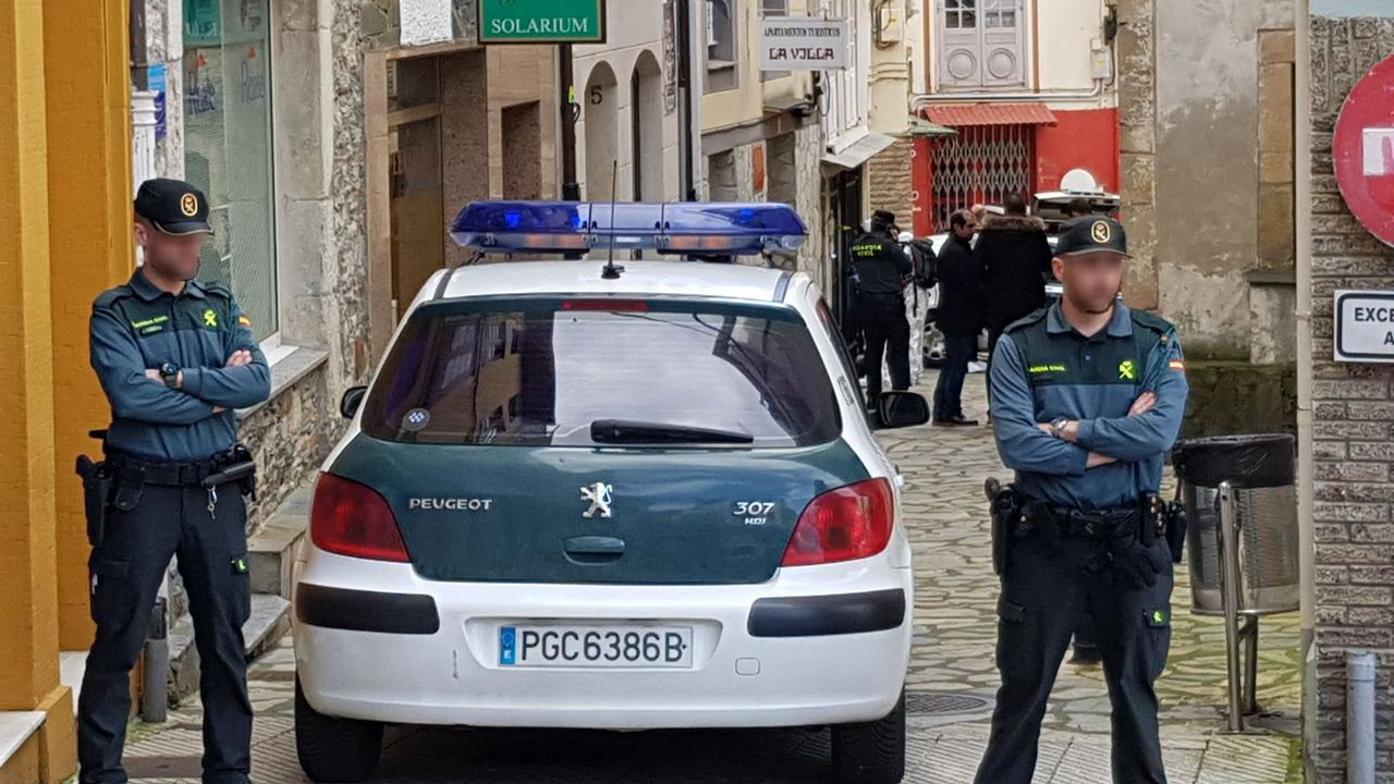 Registro en la casa del detenido por la muerte de Paz Fernández.La Guardia Civil ha registrado dos viviendas habituales del arrestado Julio Ledo