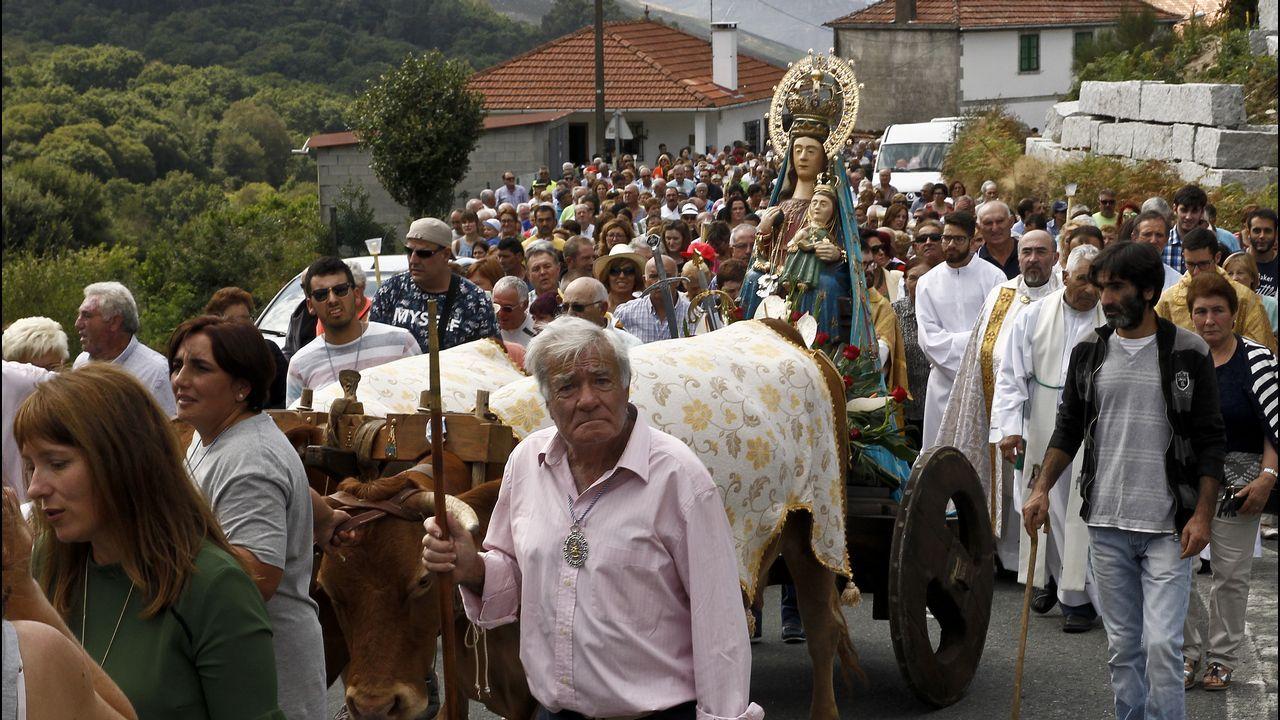 Las imágenes en el santuario de A Cañiza.Abel Caballero y Carlos Mouriño