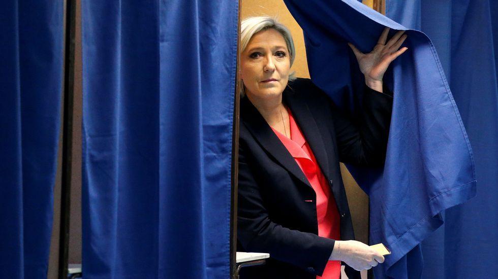 Marine Le Pen votó en Henin Beaumont