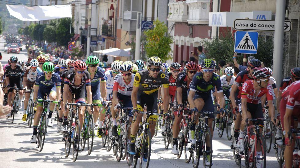 La Vuelta atravesó la rúa Real, en Quiroga