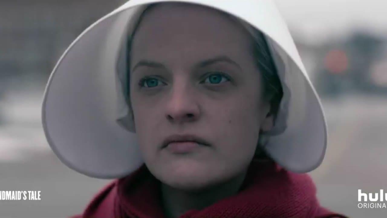 «El cuento de la criada» - Tráiler de la tercera temporada.Un fotograma de «El secreto de Marrowbone»