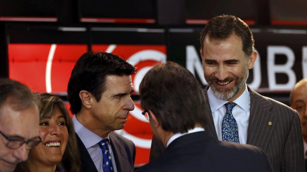 .El rey inauguró junto al ministro de Industria y el presidente de la Generalitat el congreso.