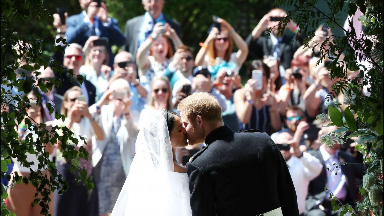 En directo: La boda entre Meghan Markle y el príncipe Harry.Mosaico con la imagen de la pareja creado con piezas de LEGO