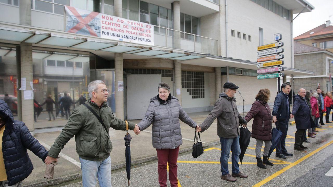 Fallece atropellado un concejal del PSOE de Catoira.Un operario se lleva una señal de 100 tras sustituirla por la de 90