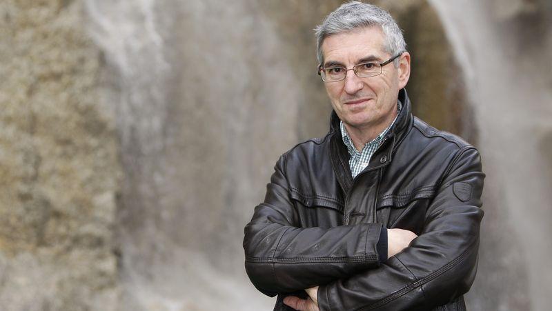 Xosé Luís Otero Cebral.