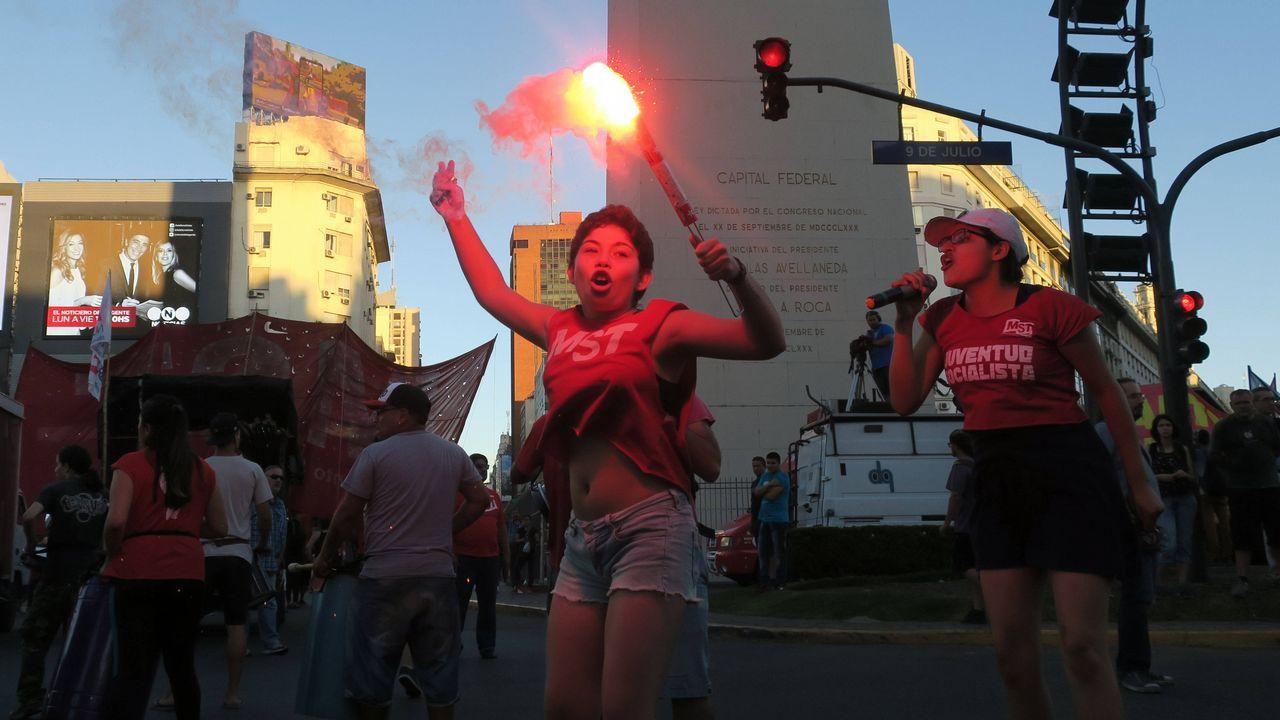 Diferentes colectivos protestan contra las polílticas de comercio en Buenos Aires