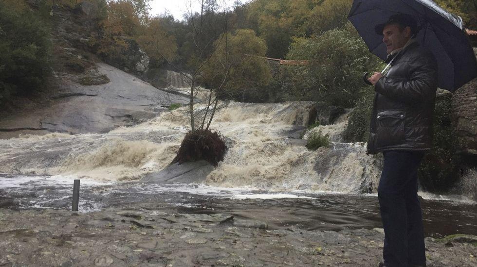 Ana deja ya inundaciones en el centro de Lugo.Imagen cedida por el parque de bomberos de Chantada