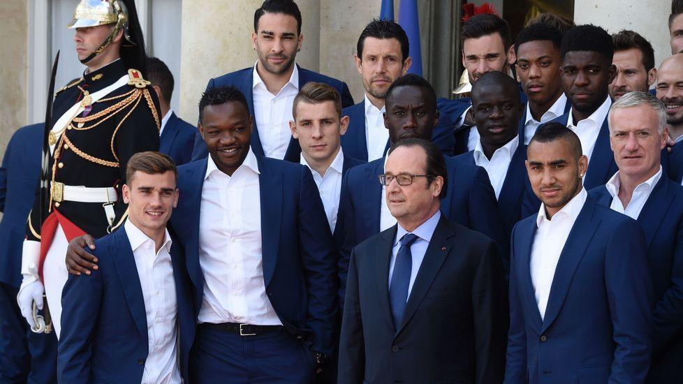Hollande recibe a los «Bleus».El primer ministro portugués, António Costa
