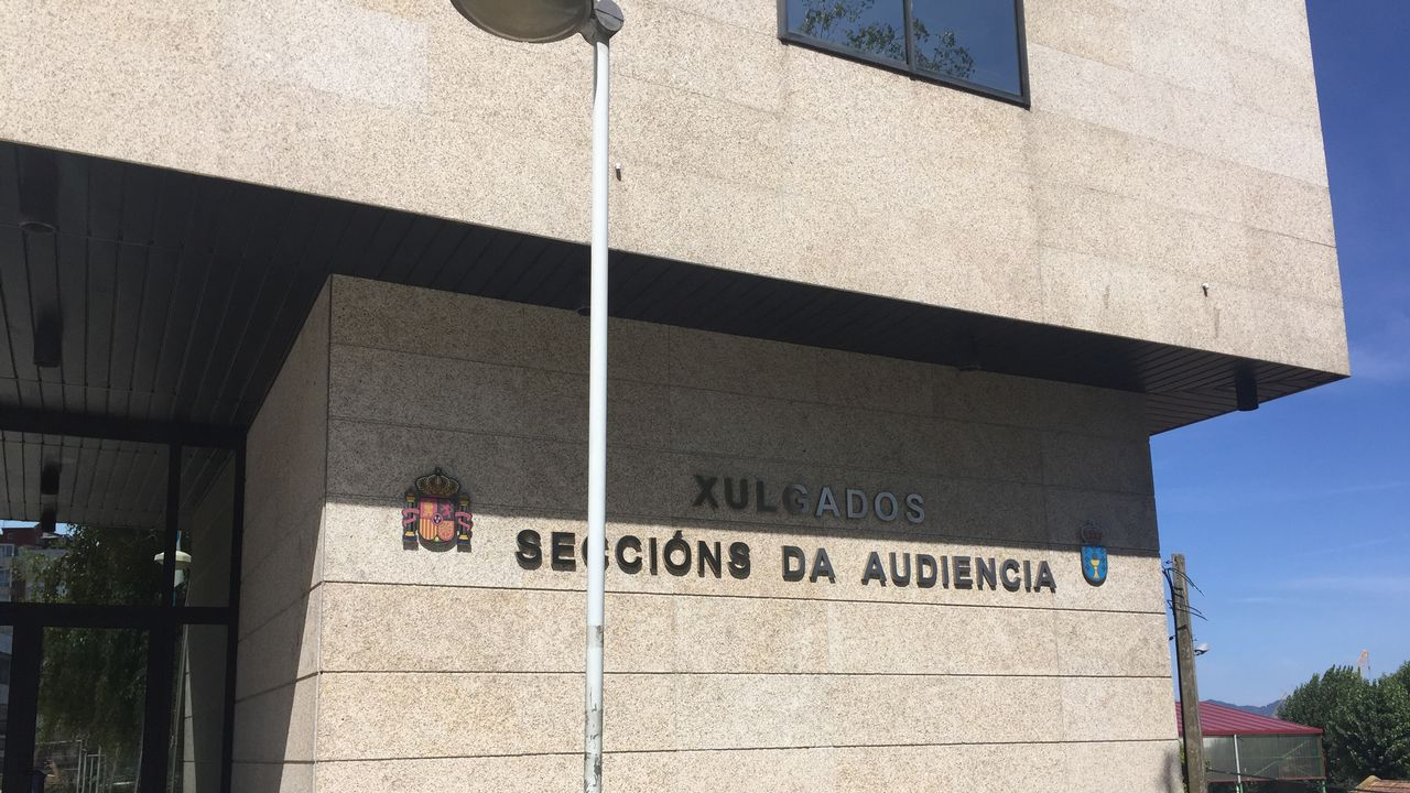 Suspenden el juicio contra Miñanco porque su abogado fumó un cigarrillo electrónico en sala.Nave de la Cooperativa del Mar San Miguel de Marín, de la que era presidente Luis Santiago Pereira