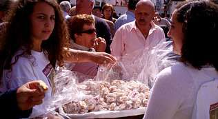 .Una imagen de la pasada edición de la Festa do Melindre, el producto más reconocible de la zona