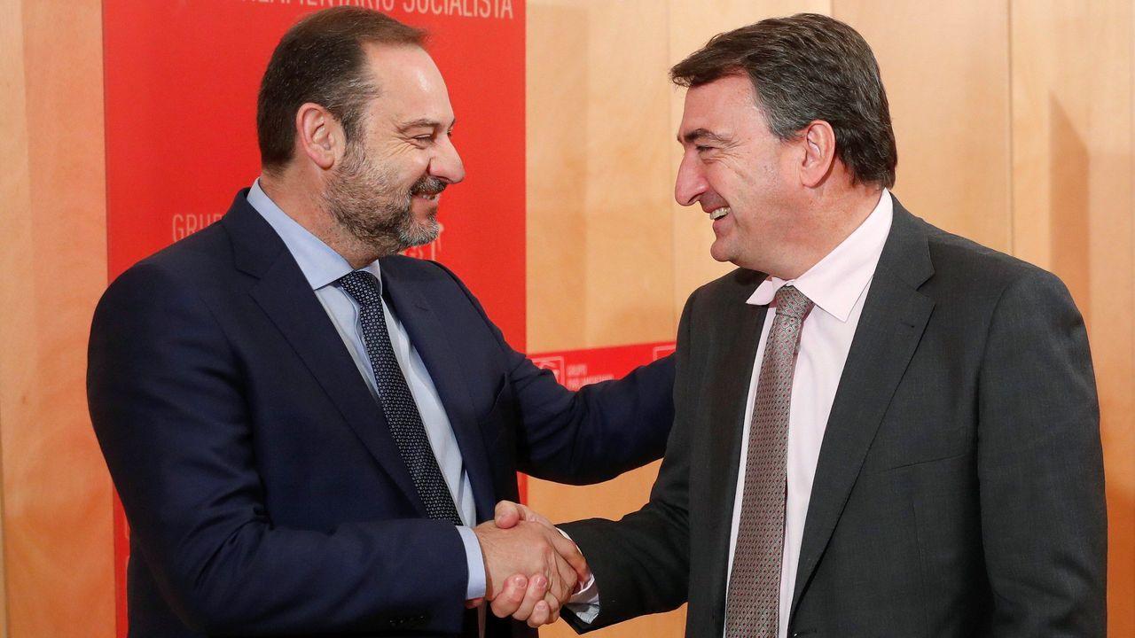 Los cinco años de reinado de Felipe VI en imágenes.José Luis Ábalos, secretario de organización del PSOE, se ha reunido este miércoles con el portavoz del PNV, Aitor Esteban