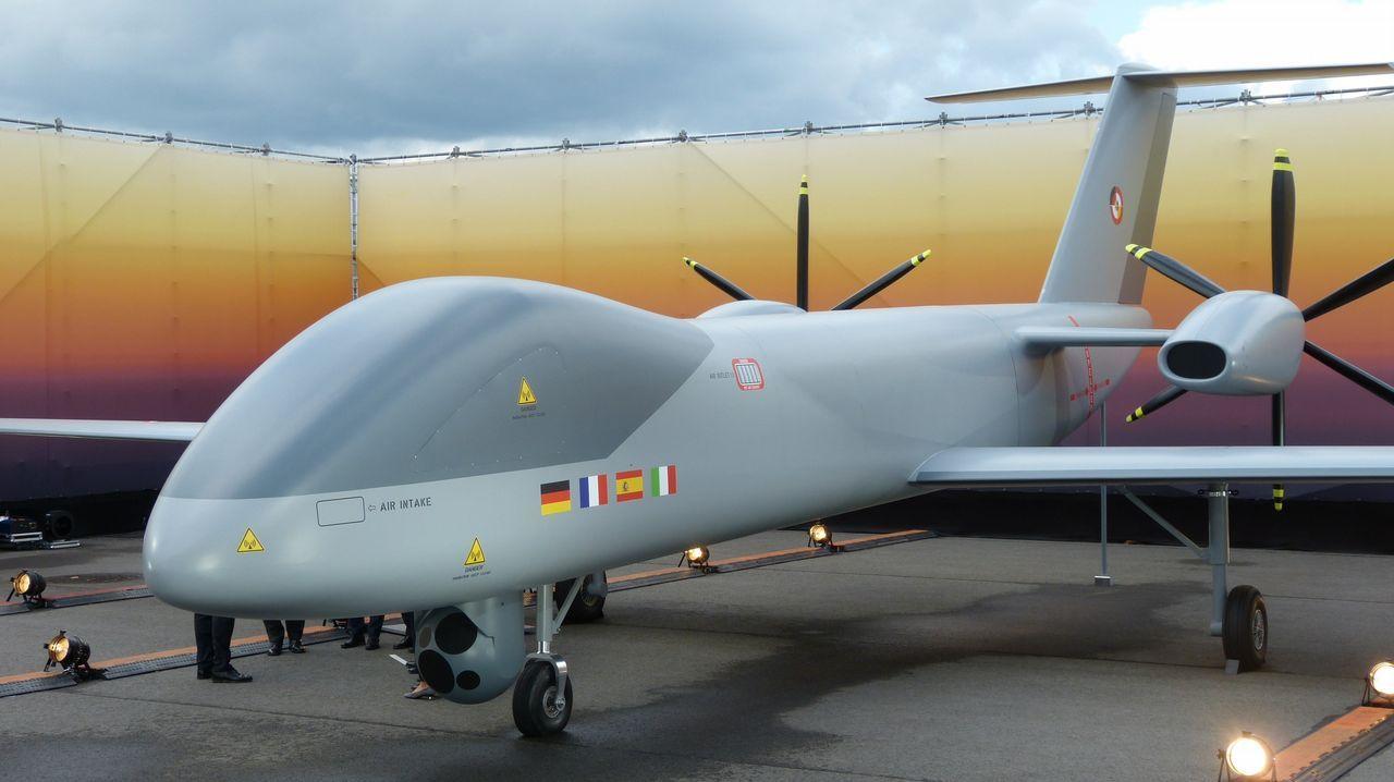 Los drones, en la lucha contra los incendios.El ministro de Ciencia visitó A Coruña para inaugurar una exposición en el Muncyt