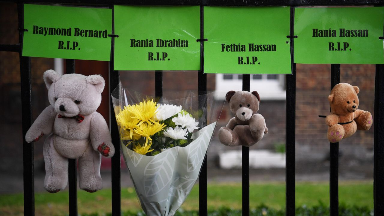 .Tributos a las víctimas del trágico incendio de la  torre Grenfell durante el primer aniversario del suceso, en Londres