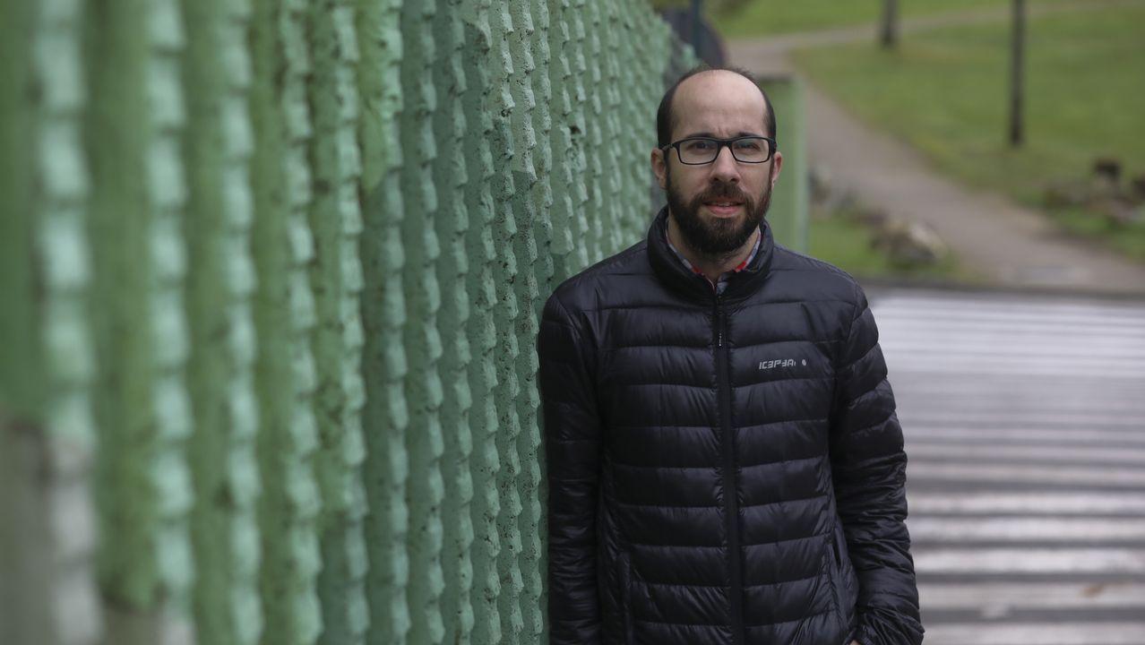 Pedro Sánchez llena en Gijón.El presidente del Colegio de Médicos de Asturias, Alejandro Braña, ofrece una rueda de prensa