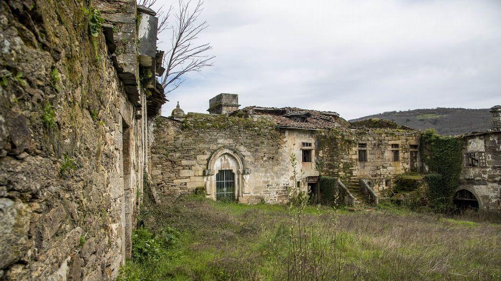 Dependencias del monasterio, en estado ruinoso desde hace mucho tiempo