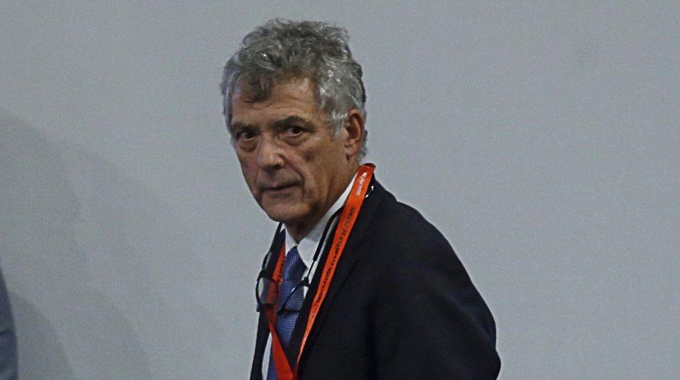 LaAPARO prepara un pasillo para recibir al Oviedo.Carlos Slim en una de sus visitas a Asturias