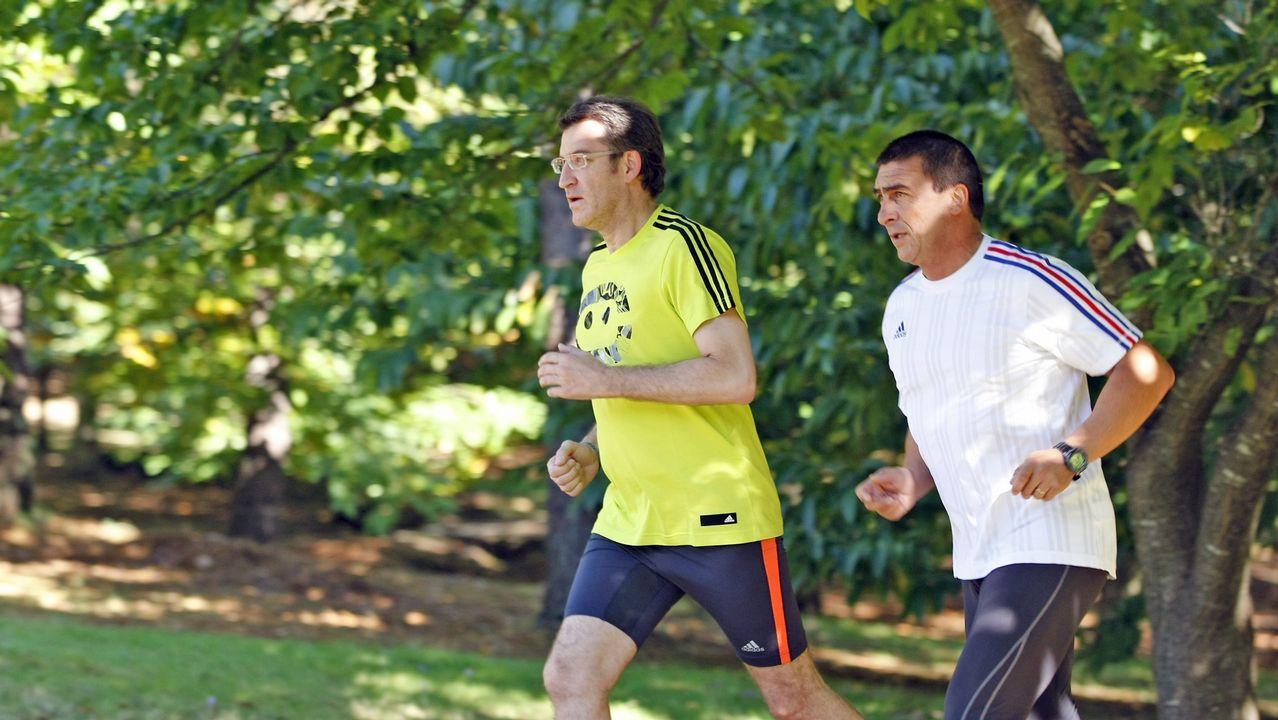 Feijoo tomó en 2012 la decisión de adelantar las elecciones. En la imagen, corriendo durante la jornada de reflexión.