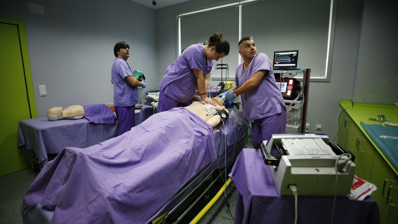 «Le debo la vida al cribado». Curso de la Sociedad de Emergencias y la Organización de Trasplantes en A Coruña, un programa formativo que utiliza maniquíes de simulación médica avanzada