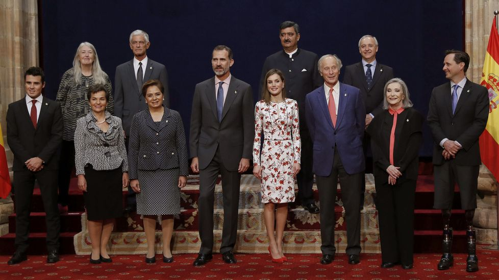 .Los reyes y los premiados, durante la recepción en el Reconquista