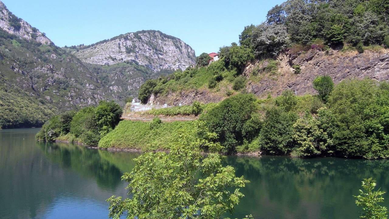 .Pantano de Tanes