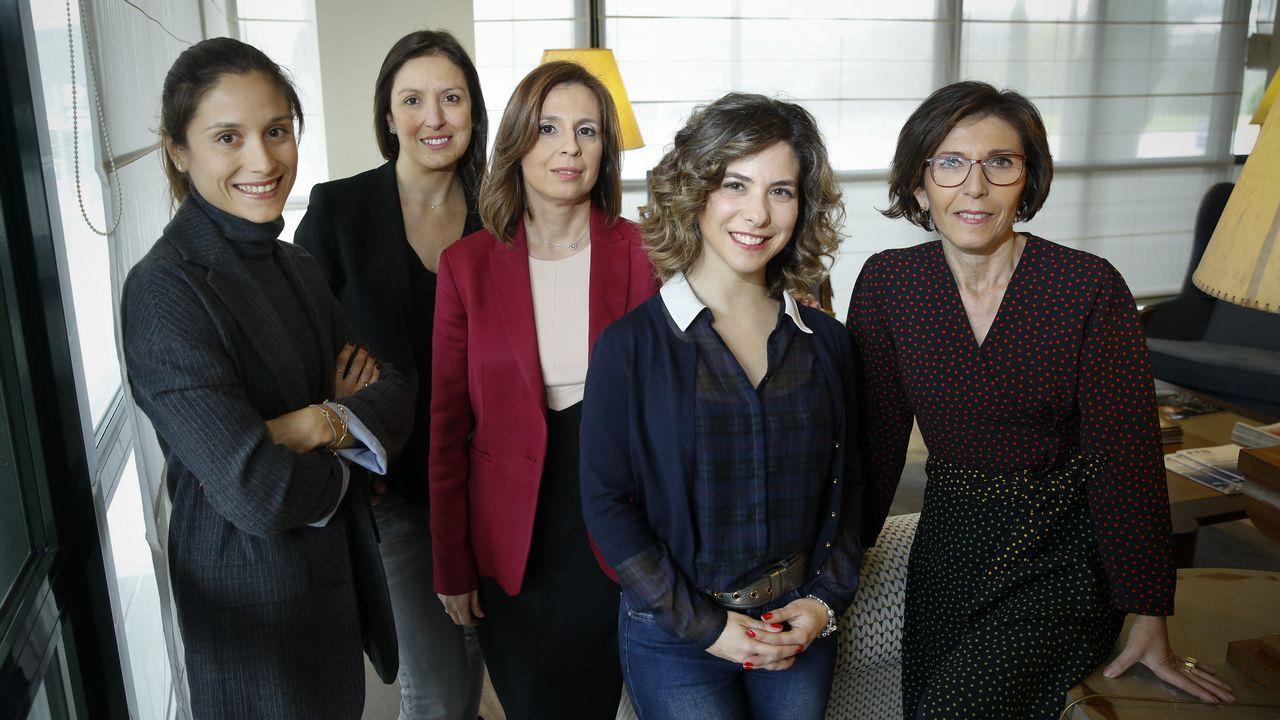 Cristina Segade, Ana Méndez, Mónica Peláez, María Casal y Carla Reyes